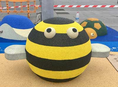 abeille 3D en caoutchouc